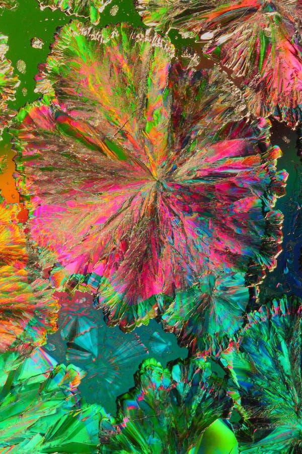 Kleurrijke citroenzuurkristallen stock foto's