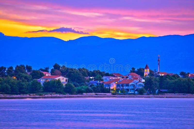 Kleurrijke dageraad op Vir eiland royalty-vrije stock foto's
