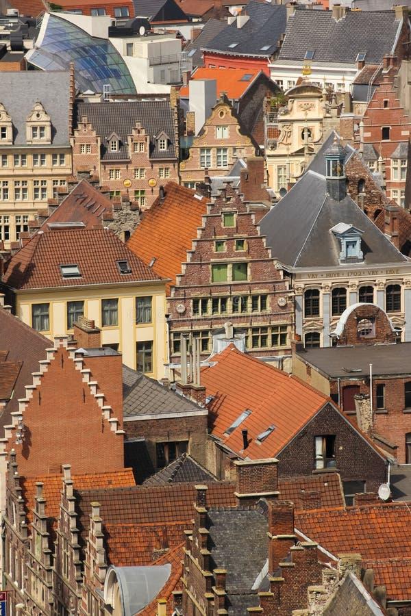 Kleurrijke daken gent belgië stock fotografie