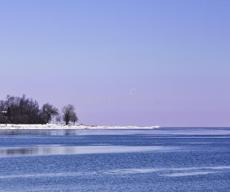 Kleurrijke de Winterkust royalty-vrije stock afbeelding