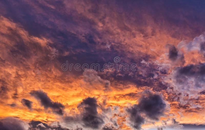Kleurrijke de Zonsondergangwolken van Colorado royalty-vrije stock afbeeldingen