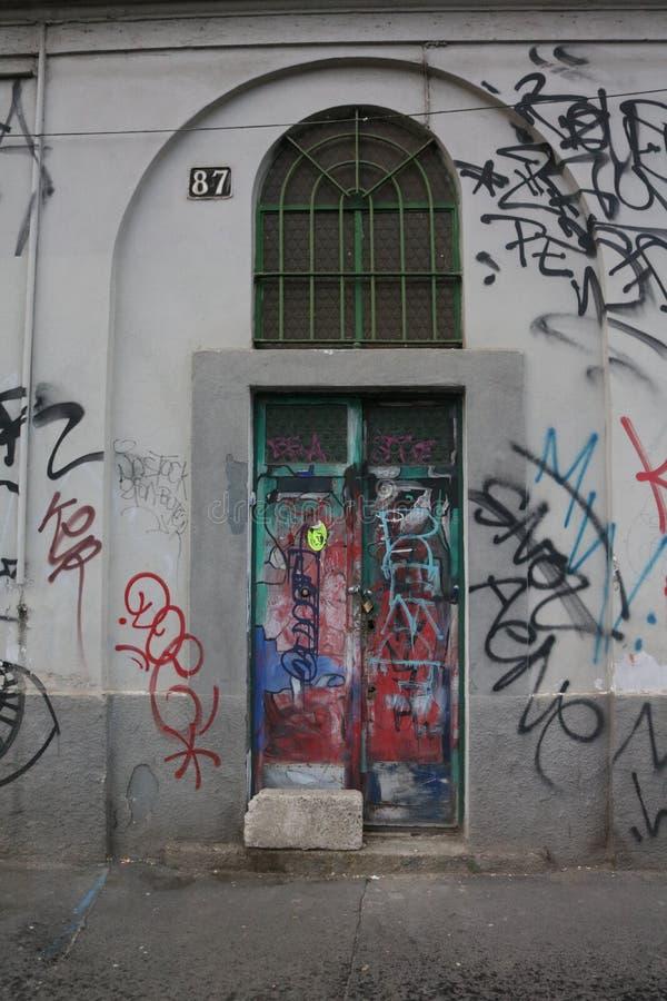 Kleurrijke deur Milaan Porta Genua royalty-vrije stock afbeelding