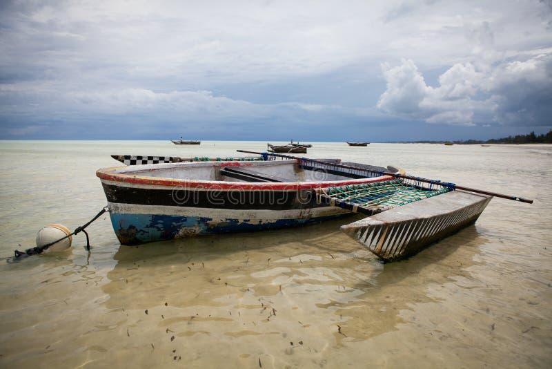 Kleurrijke dhow varende boot royalty-vrije stock foto