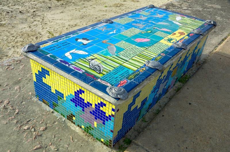 Download Kleurrijke Die Bank Door Kinderen Wordt Gecre?ërd Stock Afbeelding - Afbeelding bestaande uit textuur, kleur: 29503723