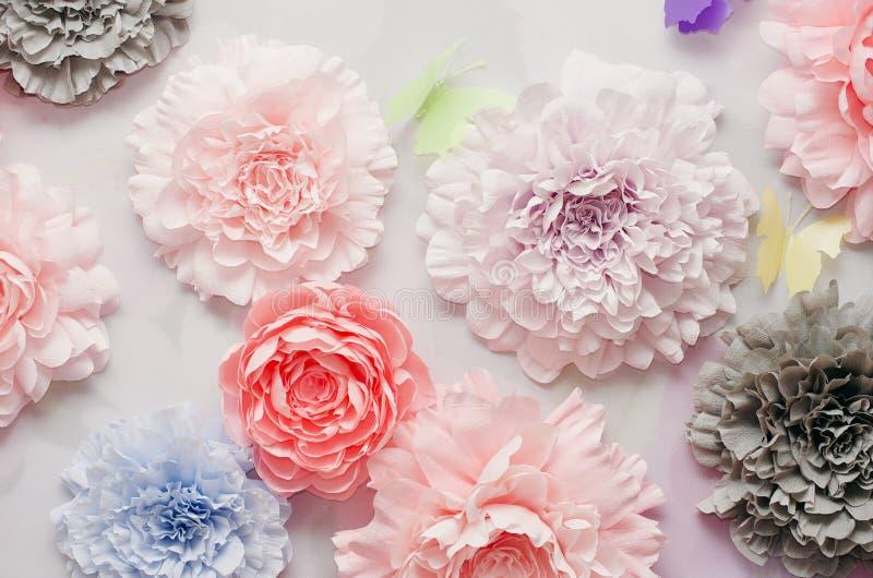 Kleurrijke document bloemen stock foto's