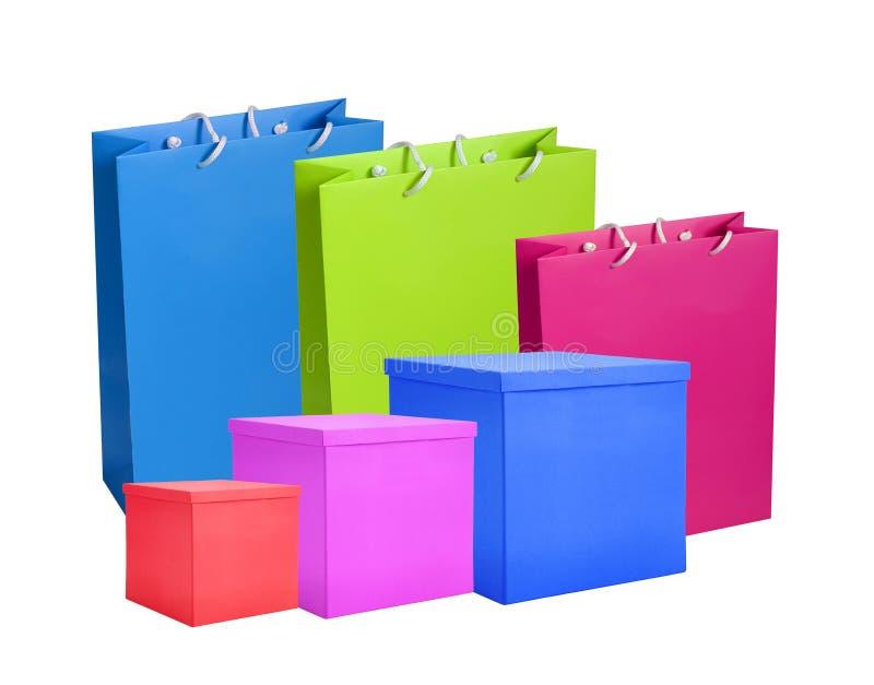 Kleurrijke document het winkelen geïsoleerde zakken en vakjes stock afbeeldingen