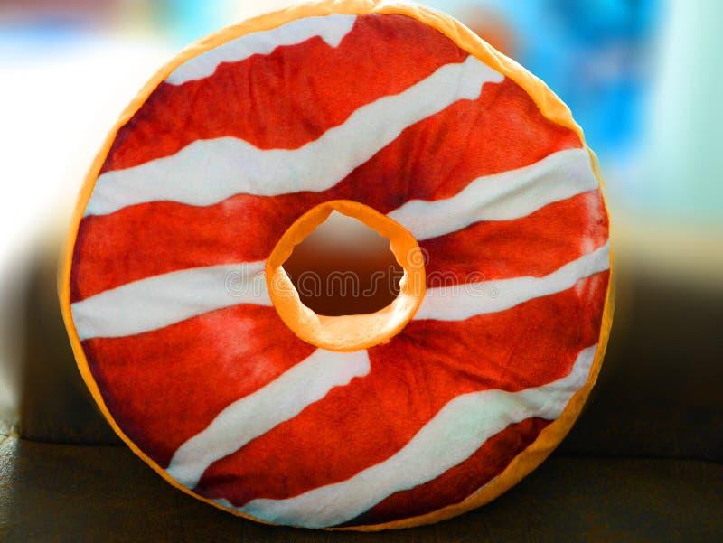 Kleurrijke doughnuthoofdkussens royalty-vrije stock afbeelding