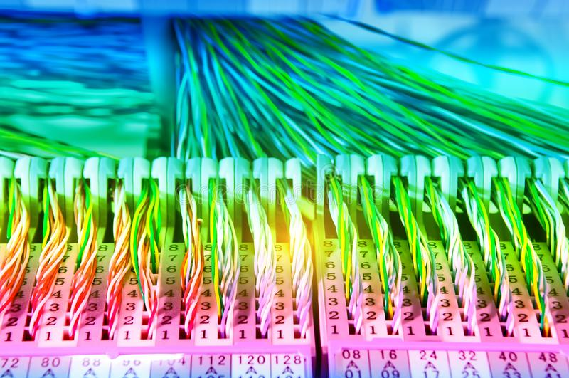 kleurrijke elektrodraden en kabel royalty-vrije stock afbeeldingen