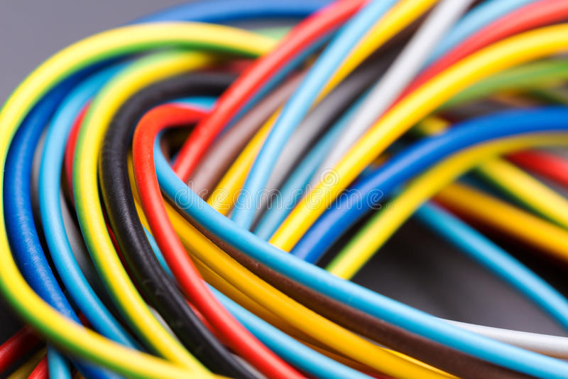 Kleurrijke elektrokabels royalty-vrije stock afbeeldingen