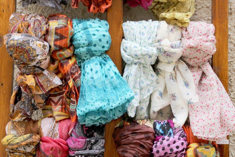 Kleurrijke etnische sjaals royalty-vrije stock foto