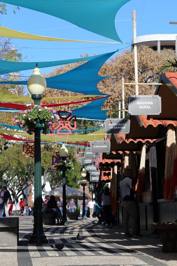 Kleurrijke Foto van de Markt van de Zondagstraat in Funchal Van de binnenstad, Madera royalty-vrije stock foto
