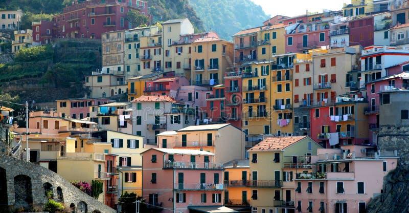 Kleurrijke gebouwen van Manarola in Italiaanse Cinque Terre stock fotografie