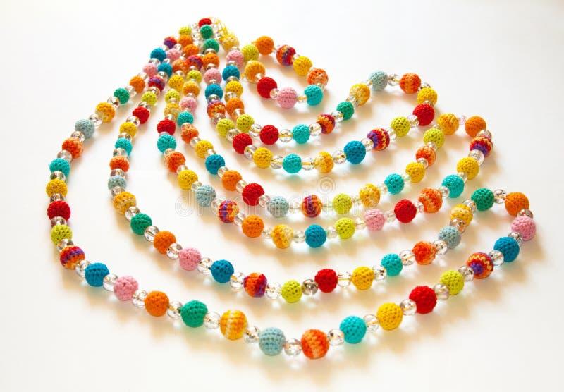 Kleurrijke gehaakte halsband royalty-vrije stock fotografie