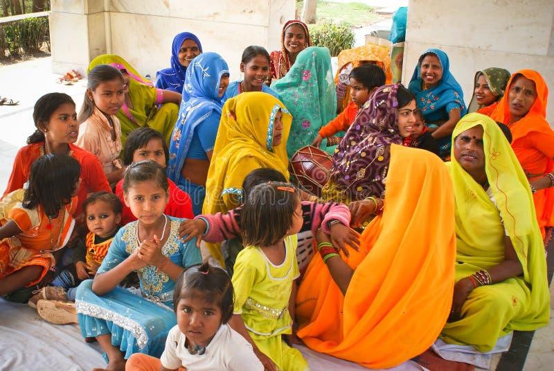 Kleurrijke groep Hindoese vrouwen royalty-vrije stock foto