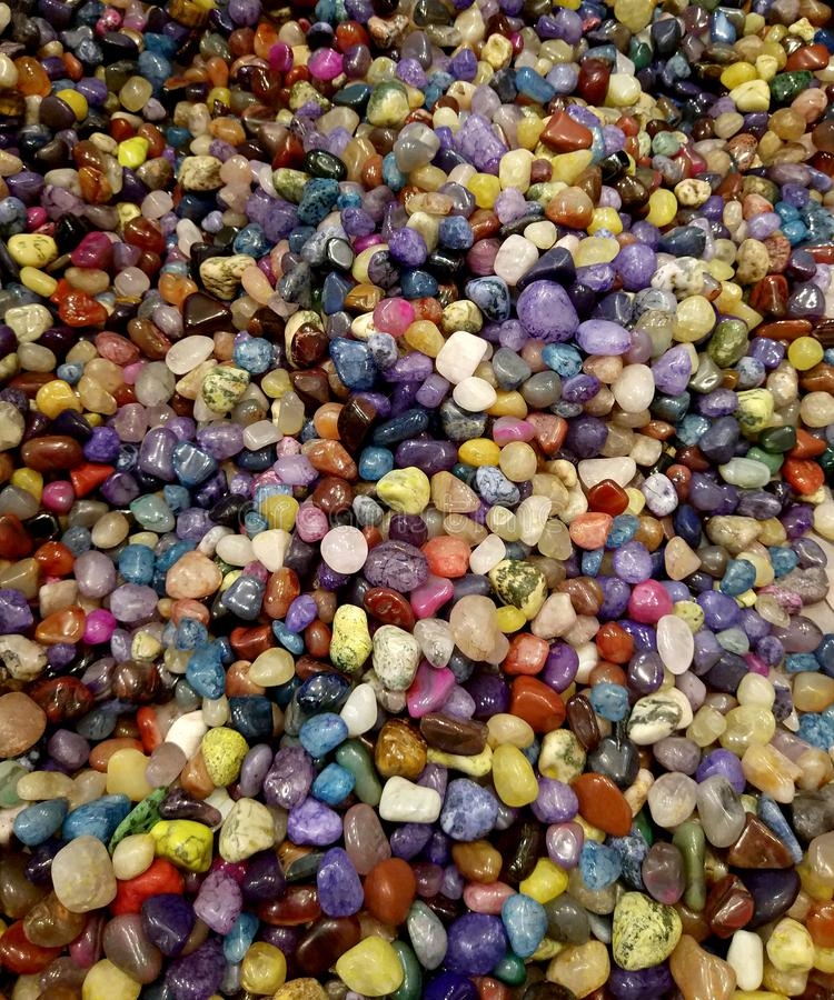 Kleurrijke halfedel ronde stenenachtergrond royalty-vrije stock afbeeldingen