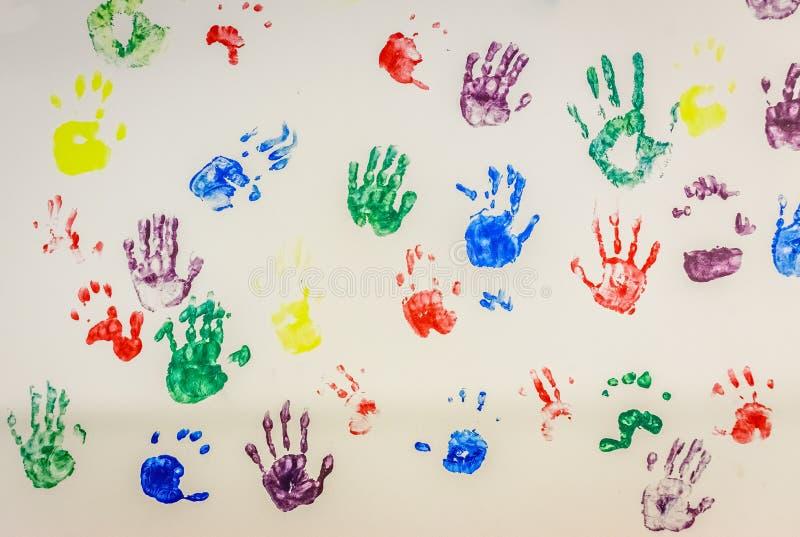 Kleurrijke handprints royalty-vrije illustratie