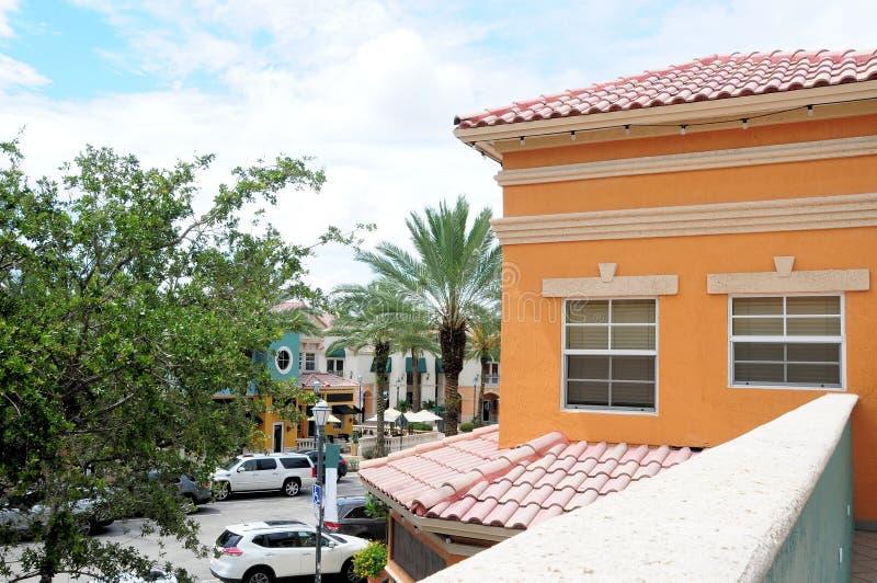 Kleurrijke het bureau & de opslaggebouwen van tegeldaken, FL royalty-vrije stock fotografie