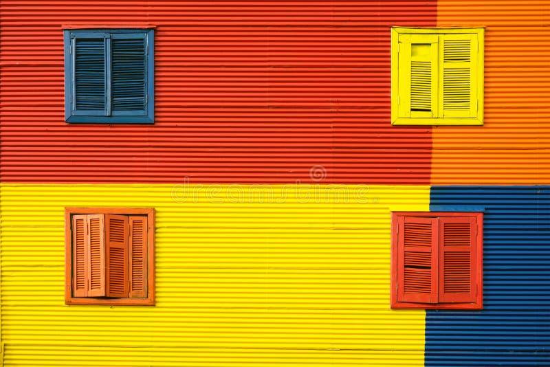 Kleurrijke huisvoorgevel in La Boca, Buenos aires stock foto's