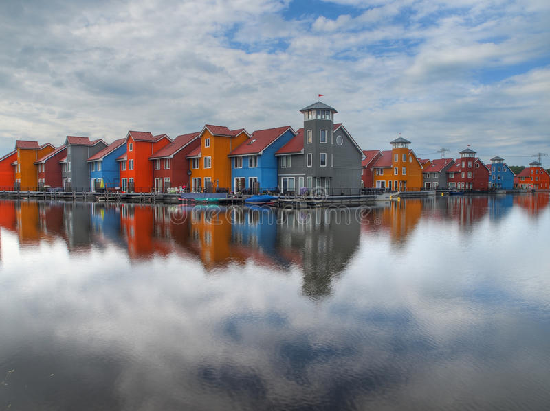 Kleurrijke huizen stock foto's