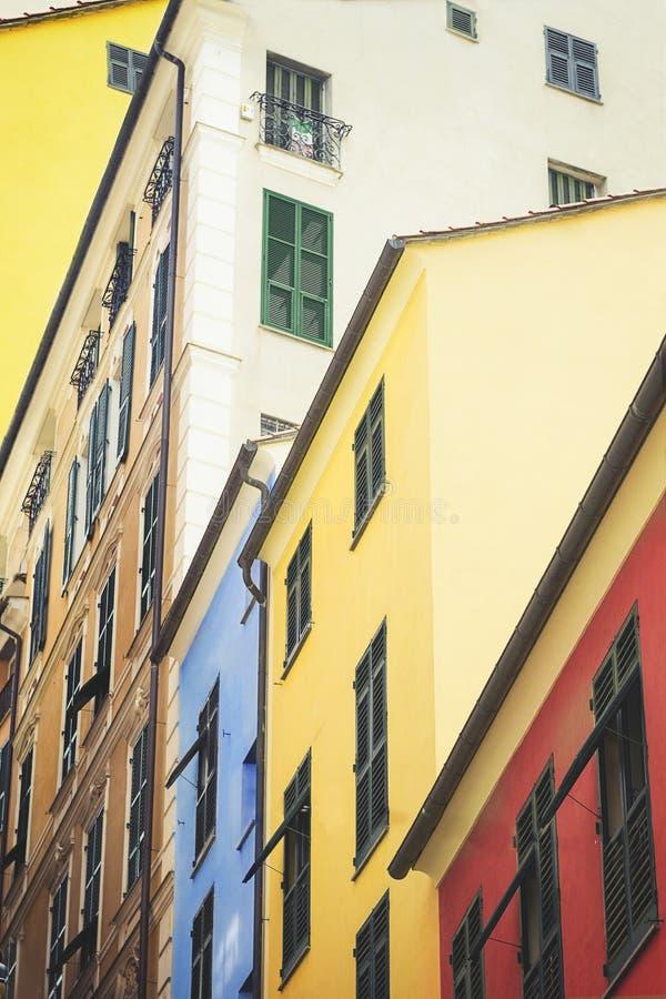 Kleurrijke huizen binnen de stad in van Genua royalty-vrije stock foto's