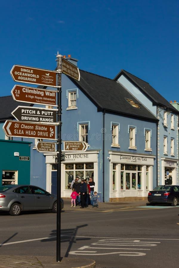 Kleurrijke huizen Bundelstraat dingle ierland stock afbeelding