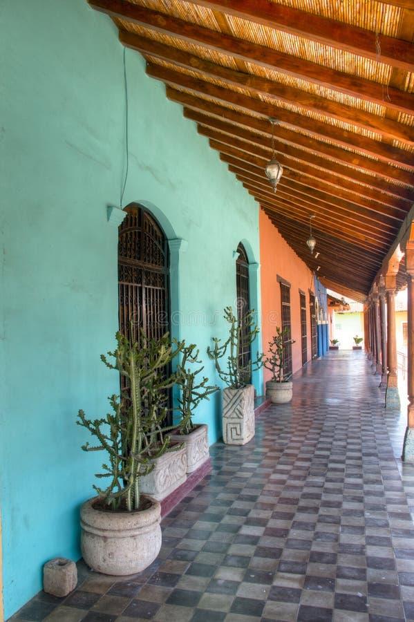 Kleurrijke huizen in centraal Granada, Nicaragua stock afbeeldingen