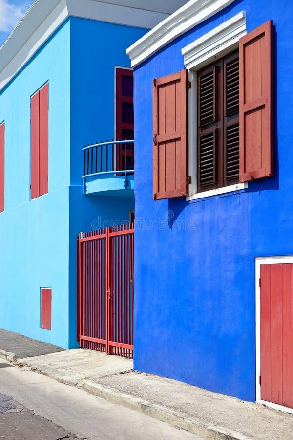 Kleurrijke huizen in de Caraïben stock foto