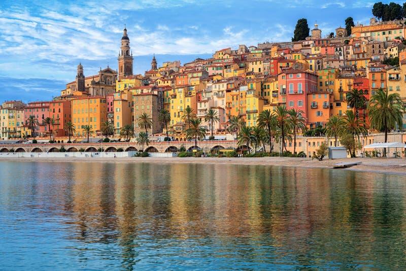 Kleurrijke huizen in de Oude Stad Menton, Franse Riviera, Frankrijk stock foto
