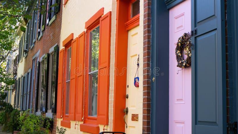 Kleurrijke huizen in oude stad Philadelphia royalty-vrije stock foto's