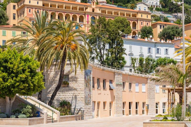 Kleurrijke huizen in oude stadsarchitectuur van Menton op Franse Riviera Provence-Alpes-kooi D ` Azur, Frankrijk royalty-vrije stock afbeeldingen