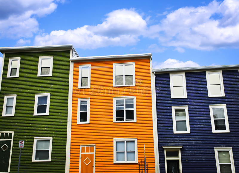 Kleurrijke huizen in St. John stock afbeelding