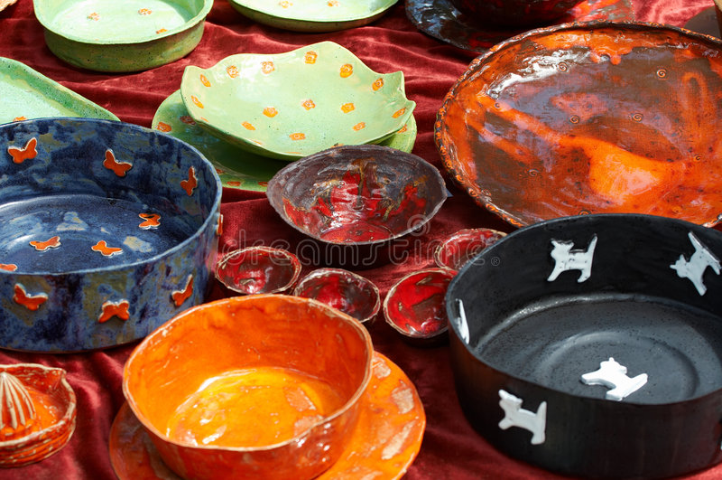 Kleurrijke keramiek stock foto's