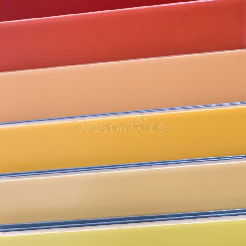 Kleurrijke keramische tegels - variatie van verschillende gekleurde tegels stock foto's