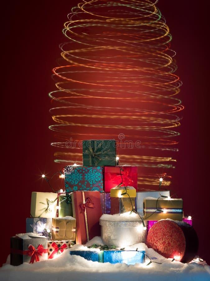 Kleurrijke Kerstmis spiraalvormige lichten royalty-vrije stock foto's