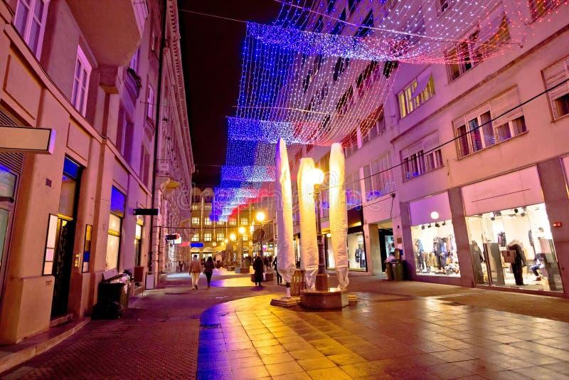 Kleurrijke Kerstmisdecoratie van de straat van Zagreb stock afbeeldingen
