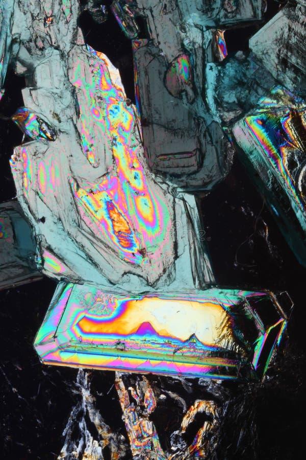 Kleurrijke kristallenachtergrond stock foto