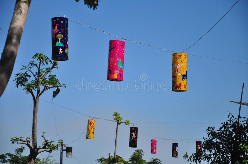 Kleurrijke lantaarns in dagtijd royalty-vrije stock afbeelding
