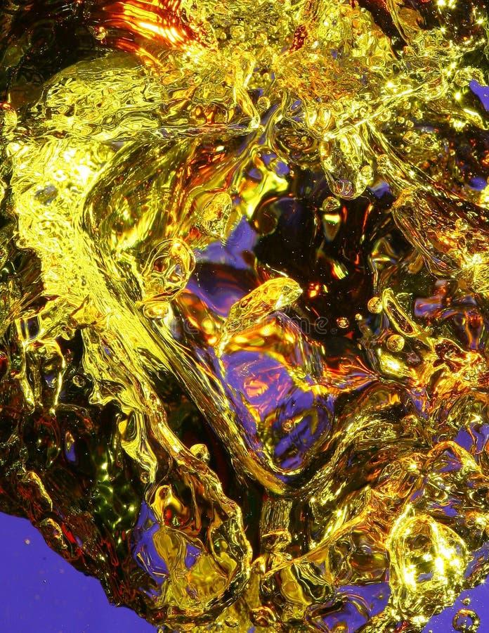 Kleurrijke luchtbellen in water stock afbeelding
