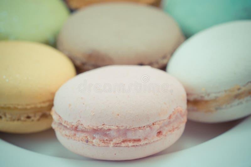 Download Kleurrijke macaron stock foto. Afbeelding bestaande uit sinaasappel - 39118238