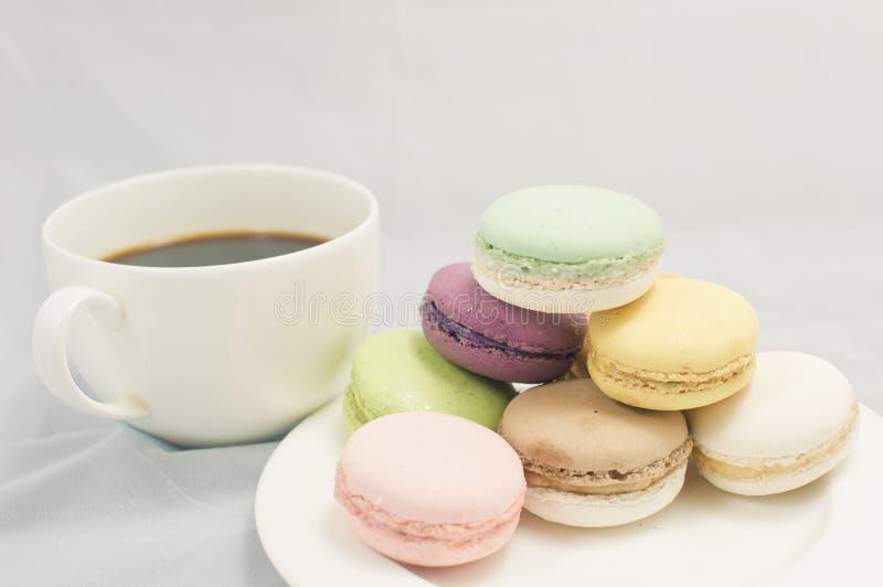 Download Kleurrijke macaron stock afbeelding. Afbeelding bestaande uit gastronomie - 39118347