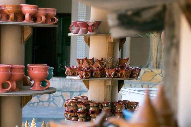 Kleurrijke Met de hand gemaakte Potten royalty-vrije stock afbeelding