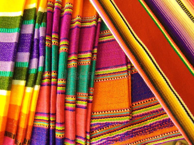 Kleurrijke Mexicaanse Dekens stock afbeeldingen