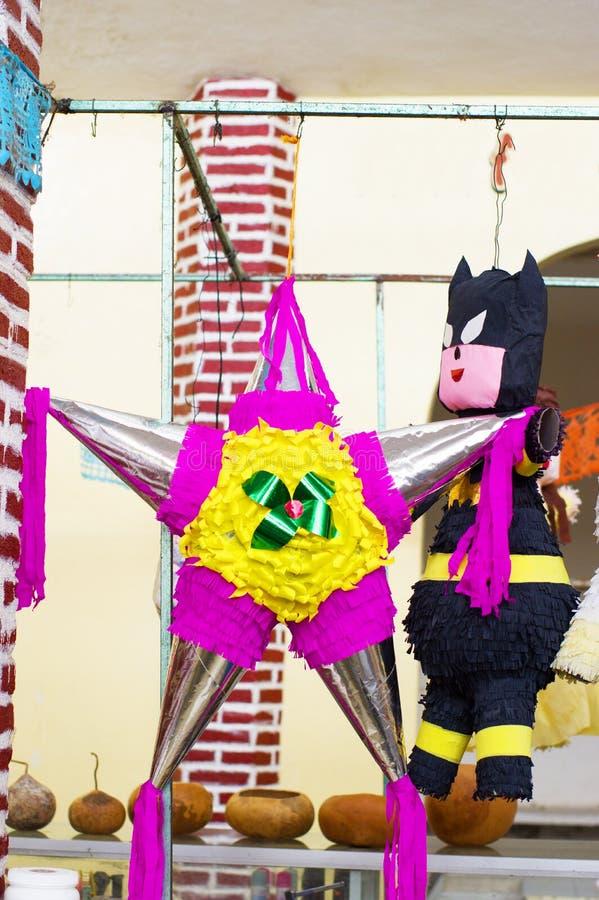 Kleurrijke Mexicaanse Pinata stock afbeeldingen