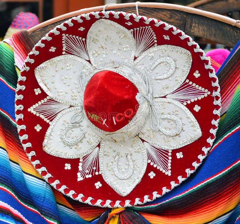Kleurrijke Mexicaanse sombreroherinneringen royalty-vrije stock afbeelding