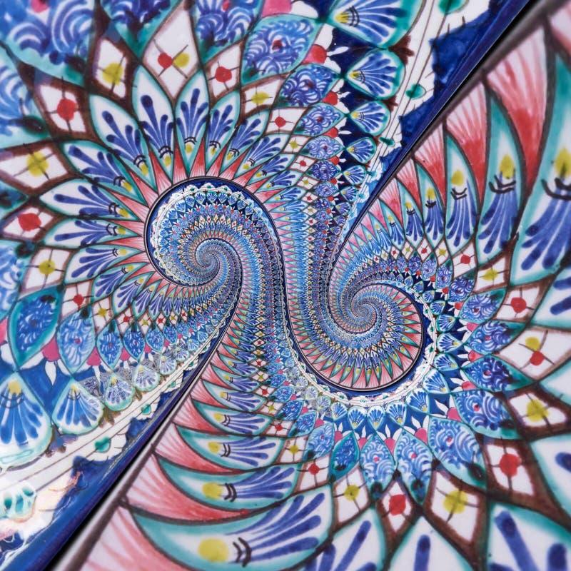 Kleurrijke ornament oostelijke het schilderen dubbele spiraalvormige effect abstracte fractal patroonachtergrond Geometrische blo royalty-vrije stock afbeeldingen