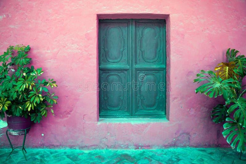 Kleurrijke oude architectuurdetails, Cuzco, Peru. stock fotografie