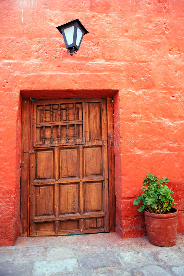Kleurrijke oude architectuurdetails, Cuzco, Peru. stock afbeelding