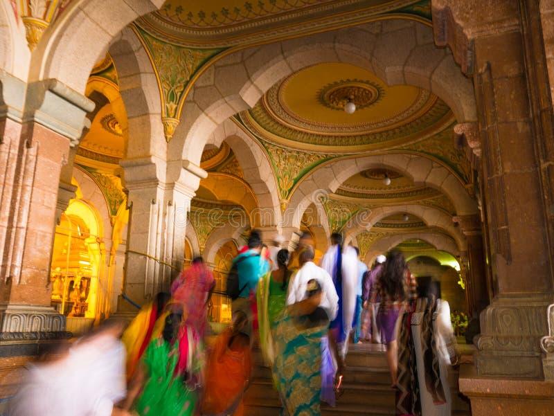Kleurrijke overladen binnenlandse zalen van het koninklijke Paleis van Mysore, Karnataka, India royalty-vrije stock fotografie