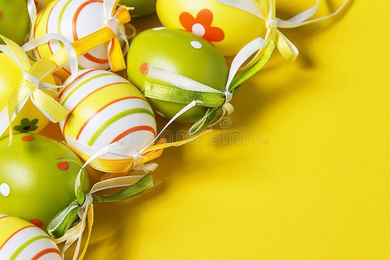 Download Kleurrijke paaseieren stock afbeelding. Afbeelding bestaande uit patroon - 39109715