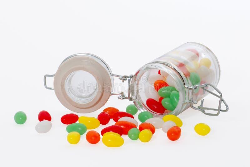 Kleurrijke Paaseieren in een glas royalty-vrije stock afbeelding